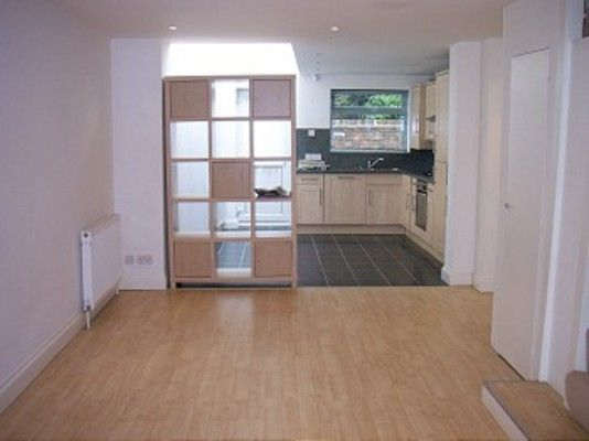 Thumbnail Property to rent in Compton Terrace, Hoppers Road, London