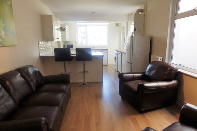 Thumbnail Shared accommodation to rent in Rhyddings Terrace, Swansea