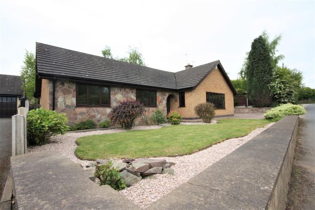 Thumbnail Bungalow for sale in Manor Road, Donington Le Heath, Coalville