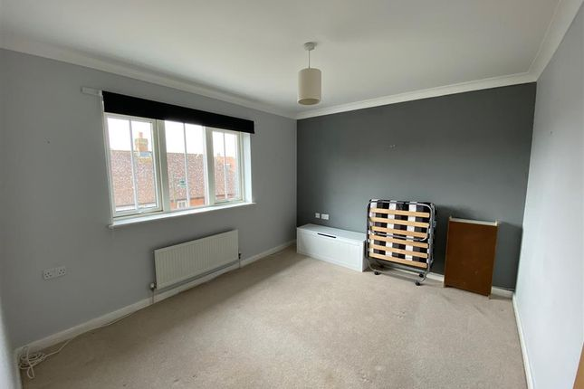 Thumbnail Flat for sale in Sandow Place, Kings Hill, West Malling, Kent