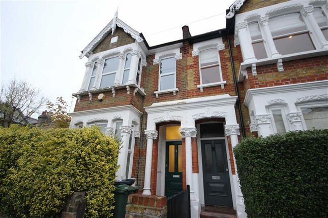 Thumbnail Flat to rent in Cleveland Park Avenue, London