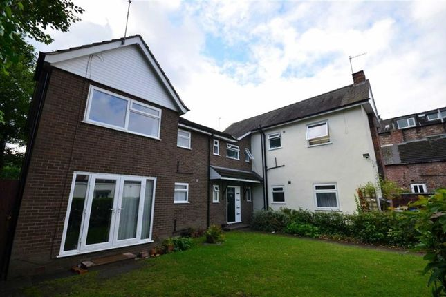 Flat to rent in Ivy Mews, West Didsbury, Manchester, Greater Manchester
