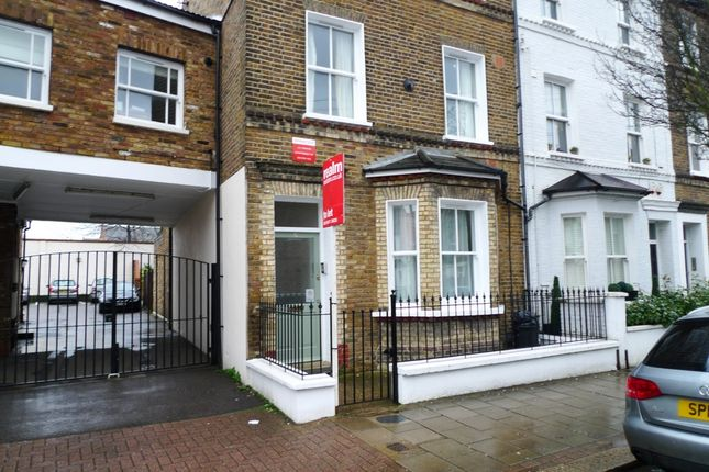 Parking/garage to rent in Monck's Row, West Hill Road, London