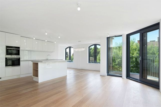 Thumbnail Flat to rent in Cocoa Mill Wharf, Suger Lane, Shad Thames