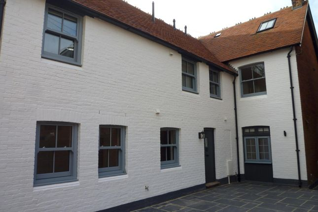 Thumbnail Cottage to rent in Lavant Street, Petersfield