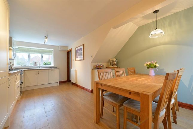 Thumbnail Cottage to rent in Dunroyal Close, Helperby, York