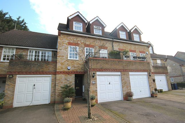 Thumbnail Property for sale in Lichfield Close, Cockfosters, Barnet