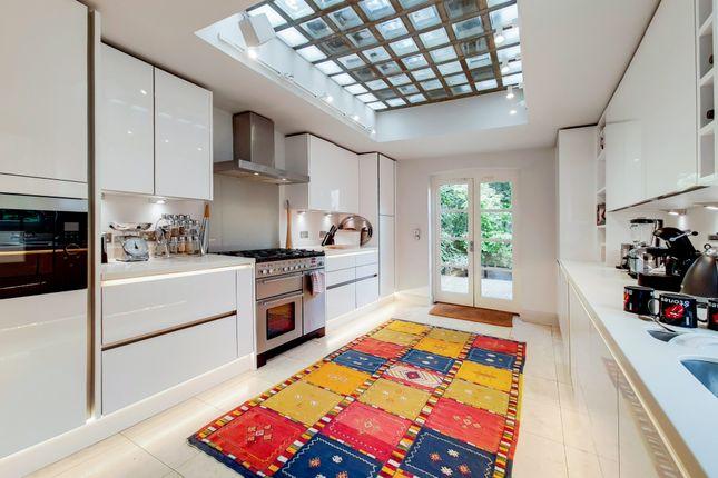 Thumbnail Semi-detached house to rent in Arlington Avenue, London