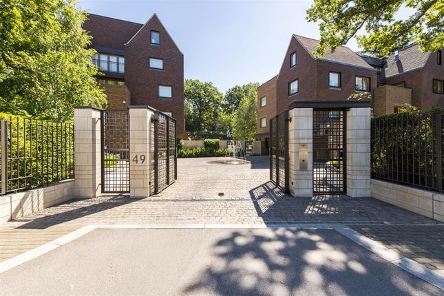 Thumbnail Flat for sale in The Bishops Avenue, London