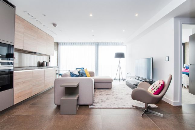 Thumbnail Flat to rent in Chronicle Tower, City Road, London
