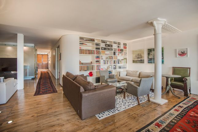 2 bed flat to rent in 1 Nile Street, Islington