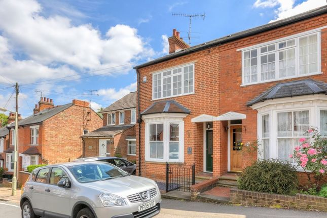 Thumbnail Property to rent in Park Mount, Harpenden, Herts