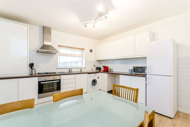 Thumbnail Flat to rent in Ravensbourne Road, Bromley South