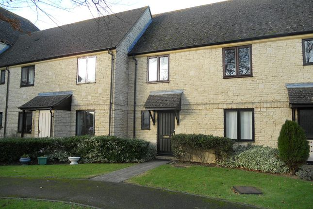 Flat to rent in Beechgate, Witney, Oxfordshire