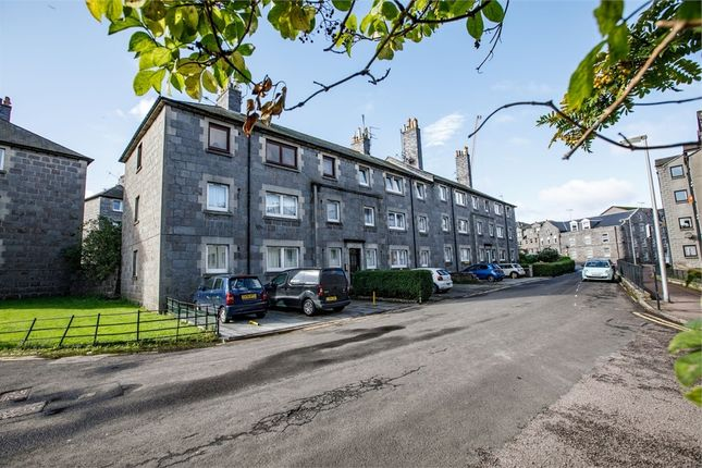 Thumbnail Flat for sale in Union Glen, Aberdeen