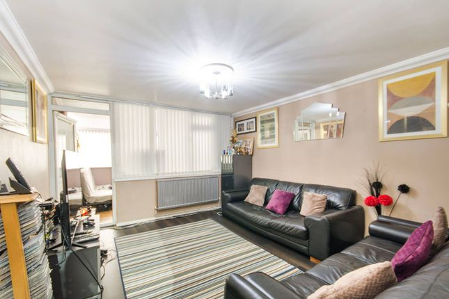 Flat for sale in Pitfield Way, Wembley, London