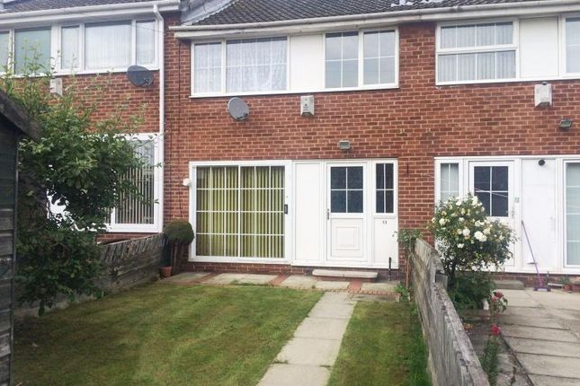 Thumbnail Terraced house to rent in Cedar Close, Leeds