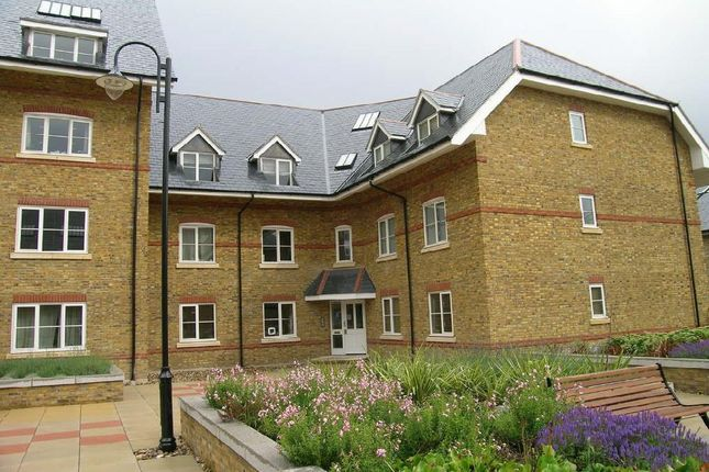Thumbnail Flat to rent in Station Road, Ware