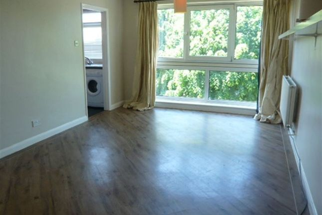 Thumbnail Flat to rent in Templemore, Sidcup Hill, Sidcup