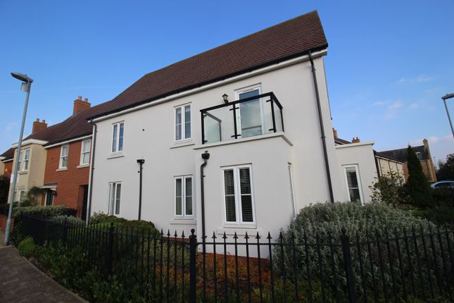 2 bed flat for sale in Saturn Way, Biggleswade SG18