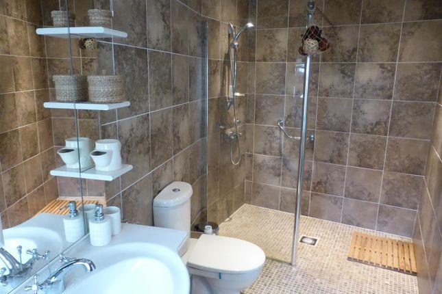 En Suite Wetroom of Llanfynydd, Carmarthen SA32