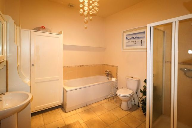 Bathroom of Newton Drive, Blackpool FY3