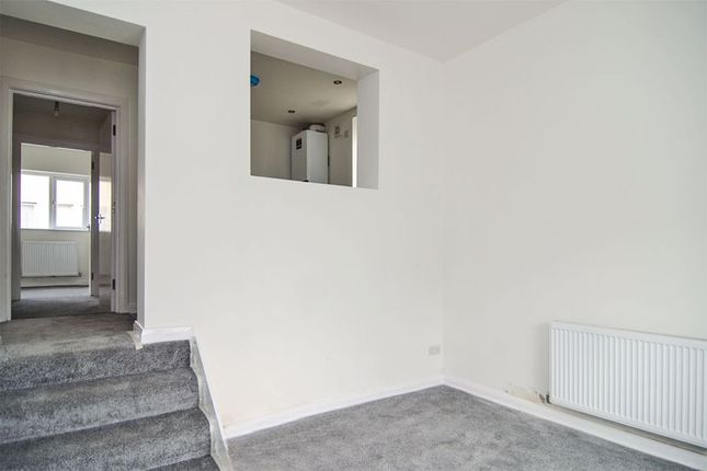 2 bed flat to rent in High Street, Chasetown, Burntwood WS7