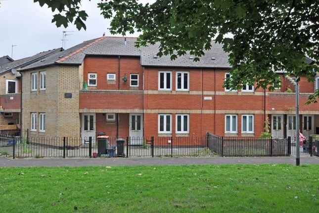 Thumbnail Flat to rent in Spacious Apartment, Courtybella Gardens, Newport