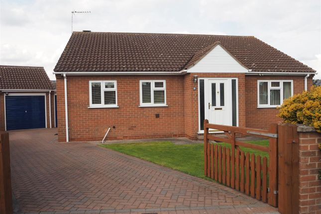 Thumbnail Bungalow for sale in Curtis Close, Collingham, Newark