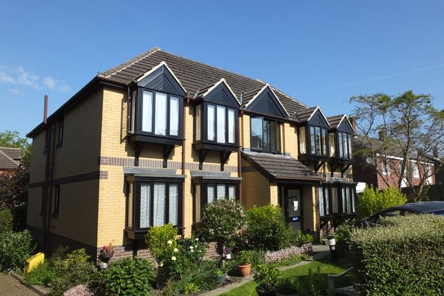 Thumbnail Flat to rent in Dove Court, London Road, Uckfield