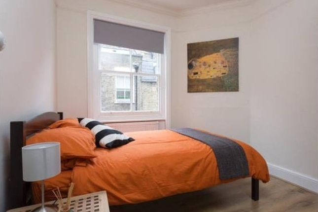 2 bed flat to rent in Luxborough Street, London