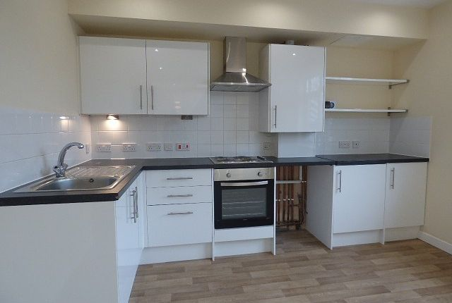 Thumbnail Flat to rent in High Street, Eastleigh