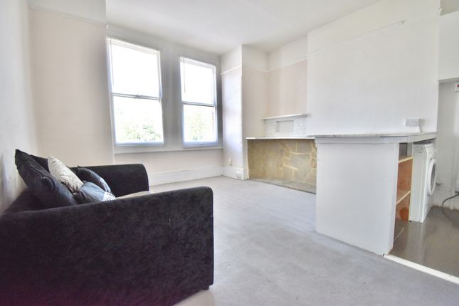 1 bed flat to rent in Westcombe Hill, Blackheath SE3
