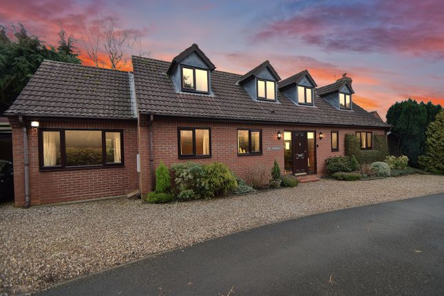 Thumbnail Bungalow for sale in Chacewater Crescent, Northwick, Worcester, Worcestershire