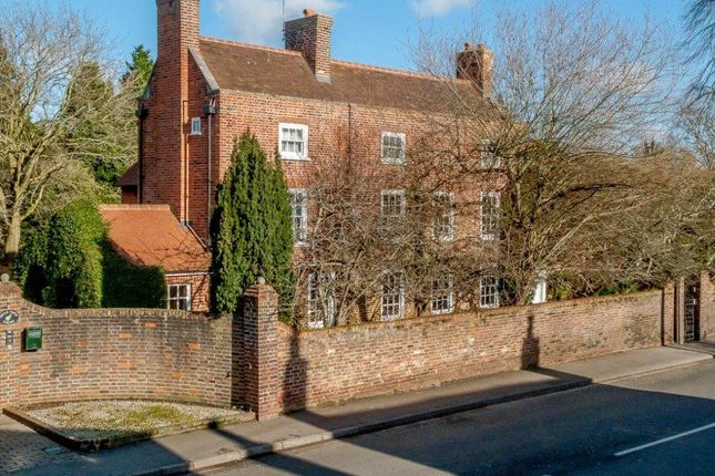 6 bed detached house for sale in Chertsey Road, Chobham, Surrey