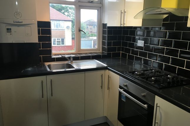 Flat to rent in Gledwood Drive, Hayes