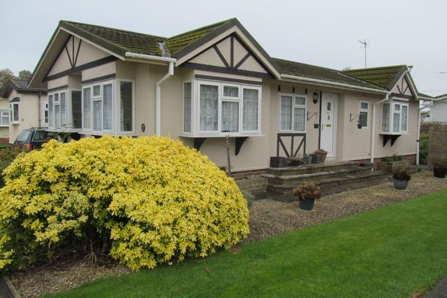 Thumbnail Mobile/park home for sale in Waterend Park (Ref 5756), Old Basing, Nr Basingstoke, Hampshire