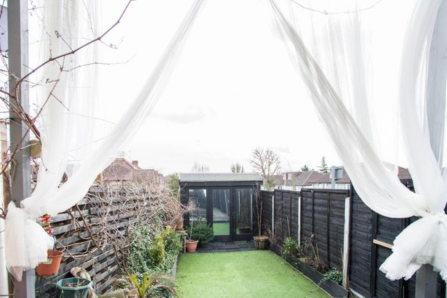 Thumbnail Flat for sale in Court Gardens, Colchester Road, Harold Wood, Romford
