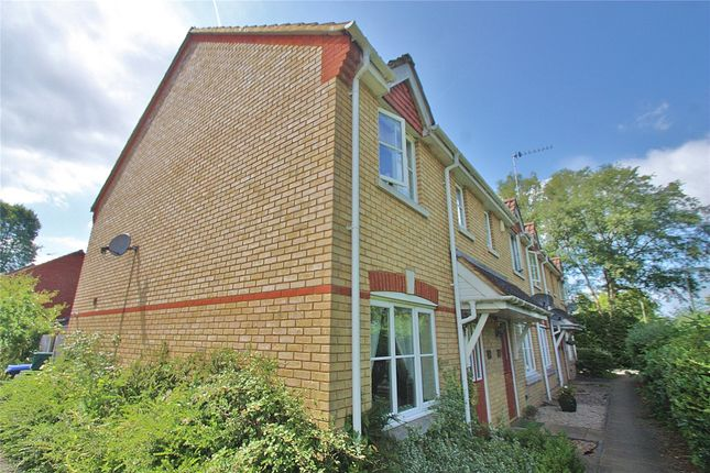 Thumbnail Property for sale in Knaphill, Woking, Surrey