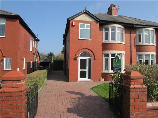 Thumbnail Property for sale in Abingdon Drive, Preston