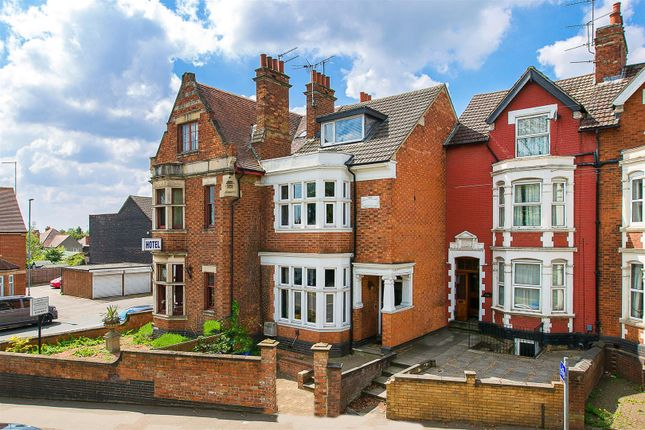 Thumbnail Town house for sale in London Road, Kettering