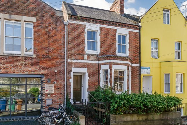 Thumbnail Terraced house for sale in Walton Crescent, Oxford