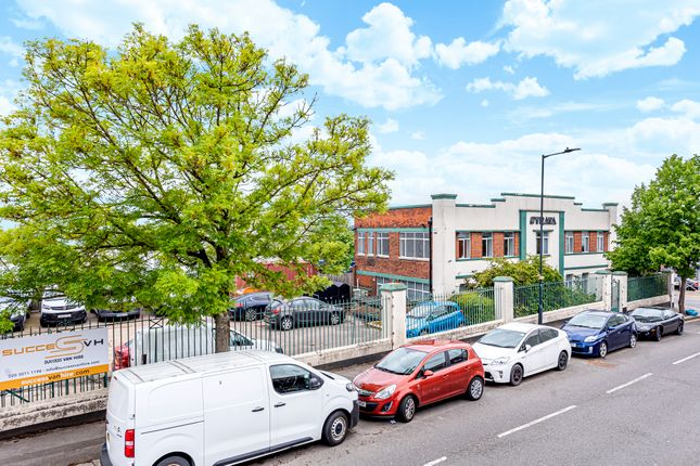 Thumbnail Office to let in Unit 3 Strata House, Waterloo Road, Staples Corner, London