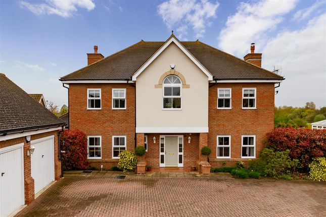 Thumbnail Detached house for sale in Gardeners Lane, Henlow