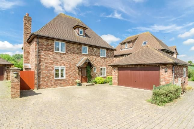 Thumbnail Detached house for sale in Apple Tree Close, Silsoe, Bedford