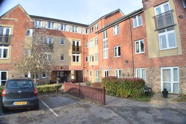 1 bed flat for sale in Garside Street, Hyde SK14