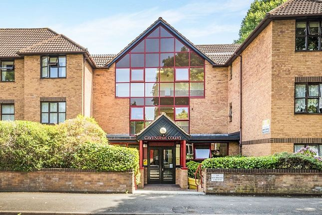 Thumbnail Flat to rent in Holmwood Gardens, Wallington