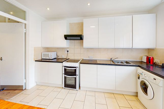 Thumbnail Terraced house to rent in Culmore Road, London