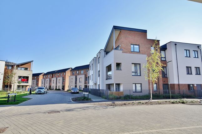 Thumbnail Flat for sale in Reed Street, Woking
