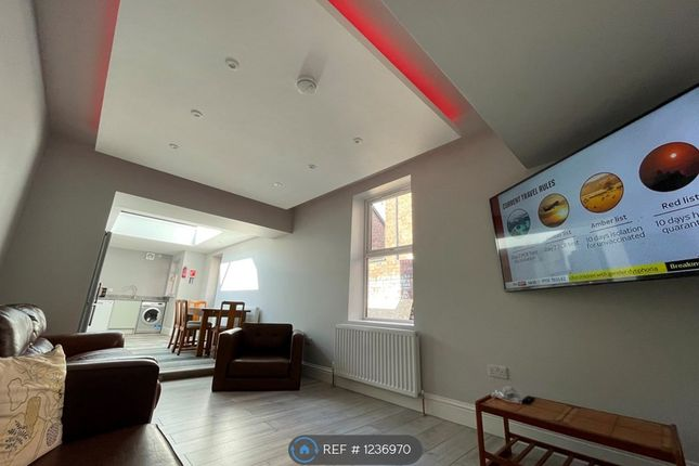 7 bed terraced house to rent in Manor House Road, Newcastle Upon Tyne NE2